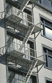 Balkonger med brandtrappor